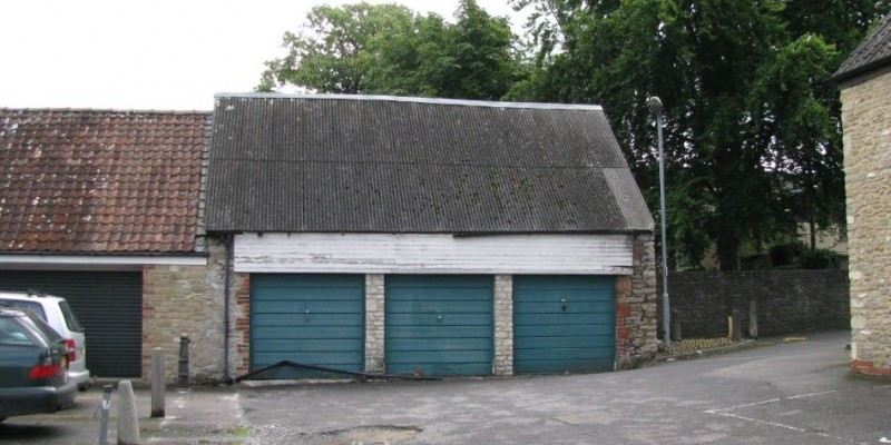 Conversion of garage building to offices permitted in Frome